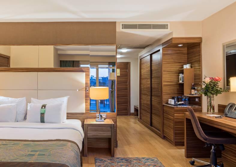 Business-Suite-Holiday-Inn-Sisli