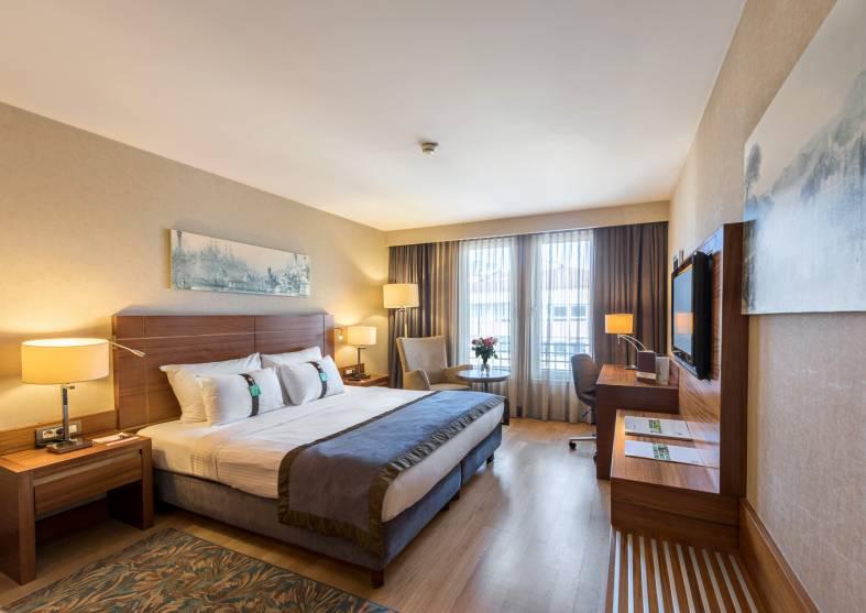 Deluxe-Room-Holiday-Inn-Sisli Istanbul