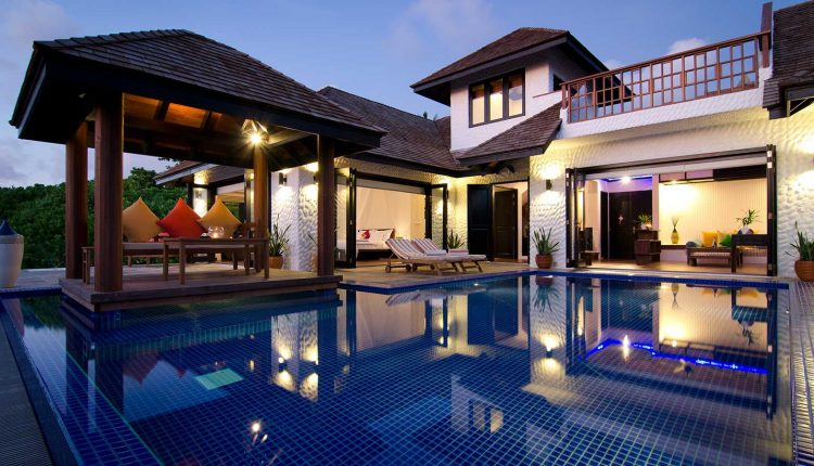 FAMILY VILLA WITH POOL